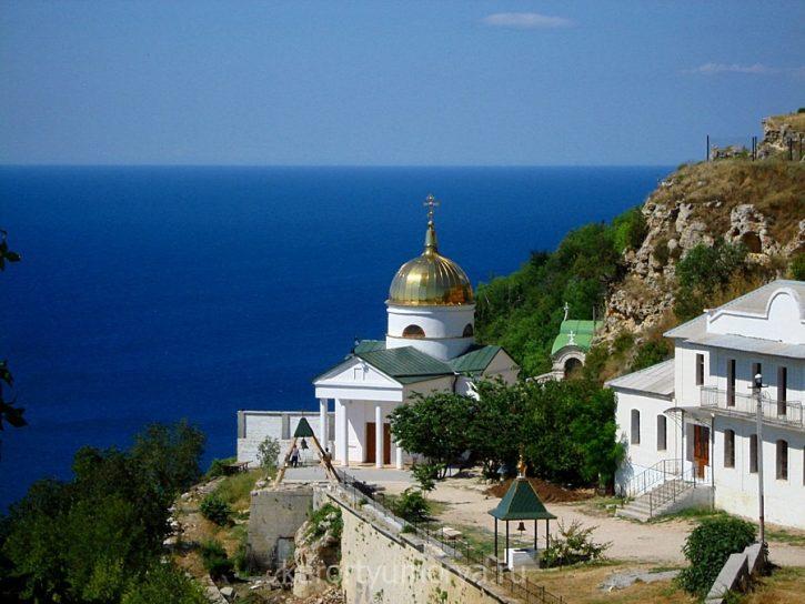 Георгиевский-монастырь