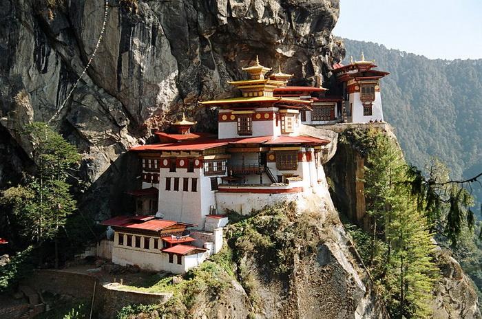 Храм Такцанг-лакханг в Бутане