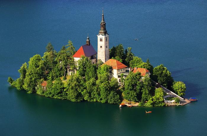 Церковь Успения Богородицы в Словении