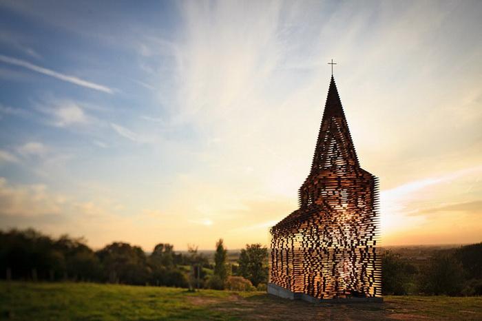Воздушная церковь в бельгийском Лимбурге