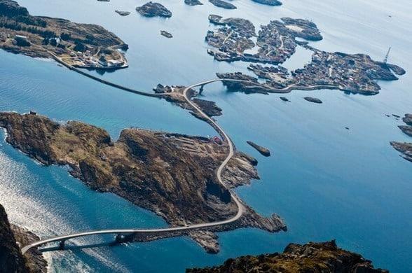 Дорога по океану в НорвегииДорога по океану в Норвегии