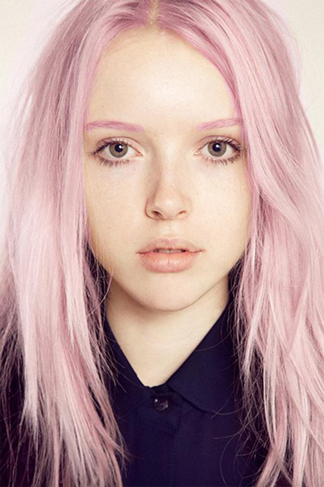 Сочетающиеся цвета волос и бровей