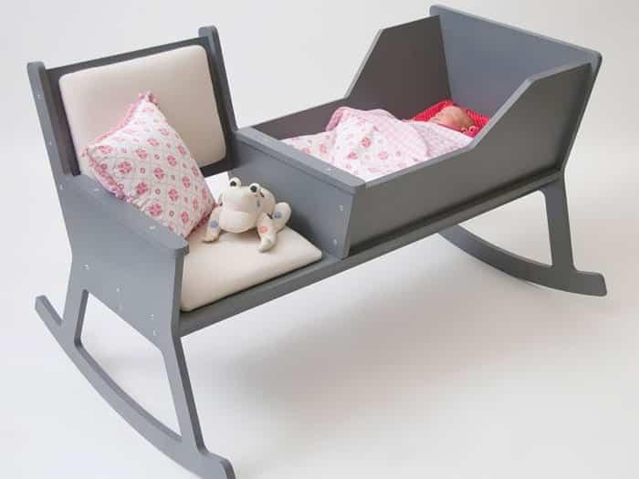 Кресло-качалка и колыбель в одном