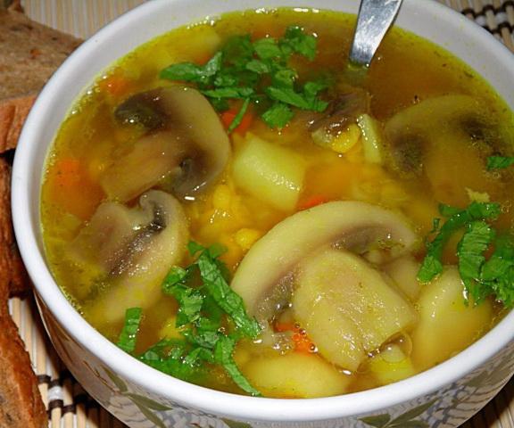 3. Гороховый суп с курицей и грибами