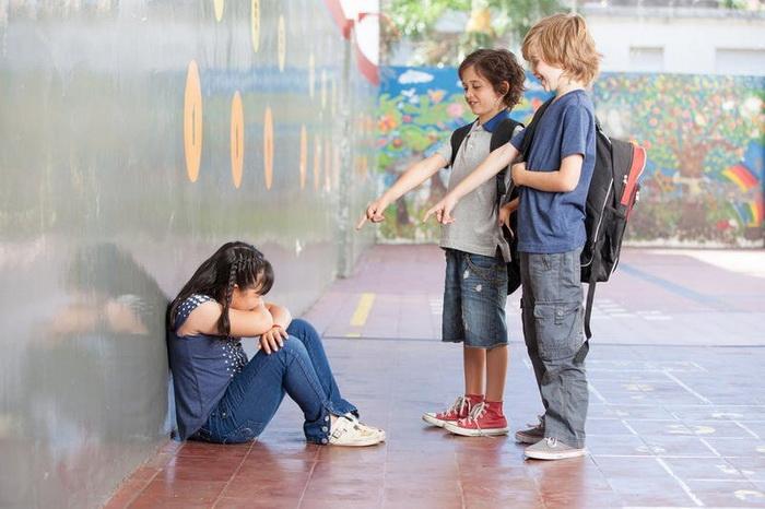 Эту девочку обижали мальчишки в школе