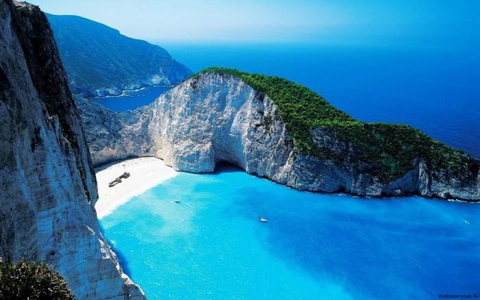 Единственный пляж в мире, где можно увидеть ТАКУЮ красоту