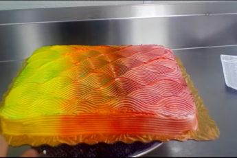 Торт-загадка стал бомбой в интернете