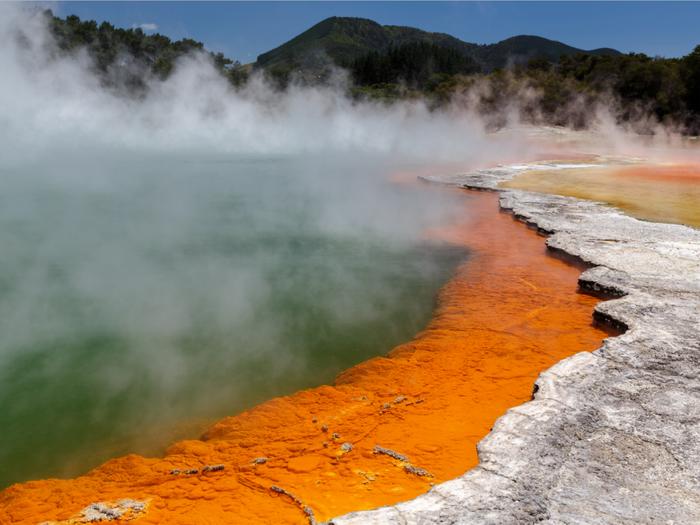Термальные источники Ваи-о-Тапу в Новой Зеландии